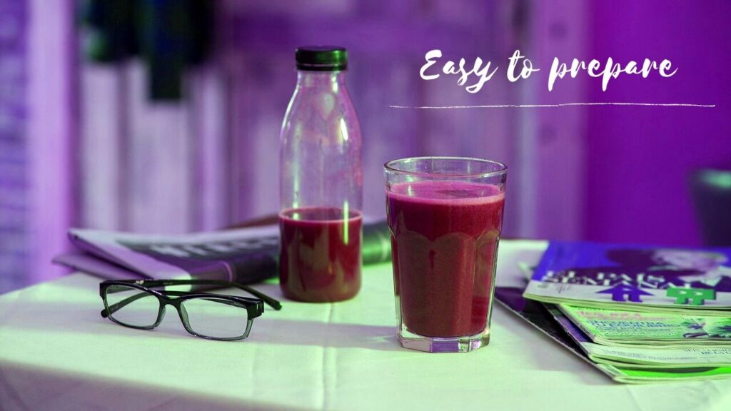 It is very easy to prepare this red fruit smoothie - and it looks tempting! Invite your friends for a summer party and drink natural red fruit juices!